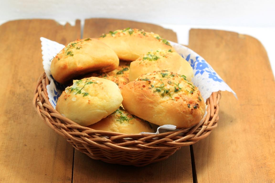 Аппетитные чесночные булочки