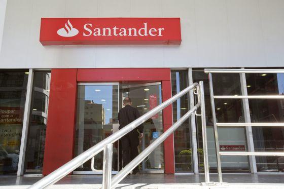 Photo of El Santander propone a los sindicatos 3.713 despidos y el cierre de una de cada cuatro oficinas en España