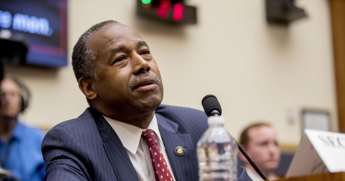 """Photo of Ben Carson confuses real estate term """"REO"""" with """"Oreo"""""""
