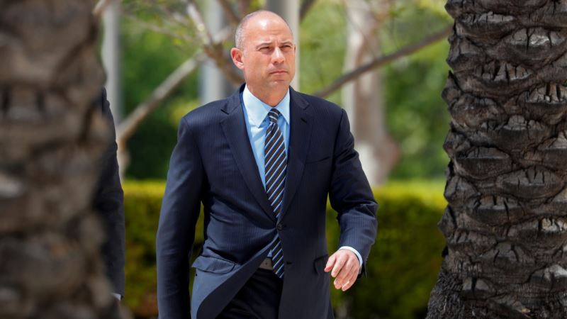 Photo of Avenatti Expects Imminent Indictment in Nike Extortion Case