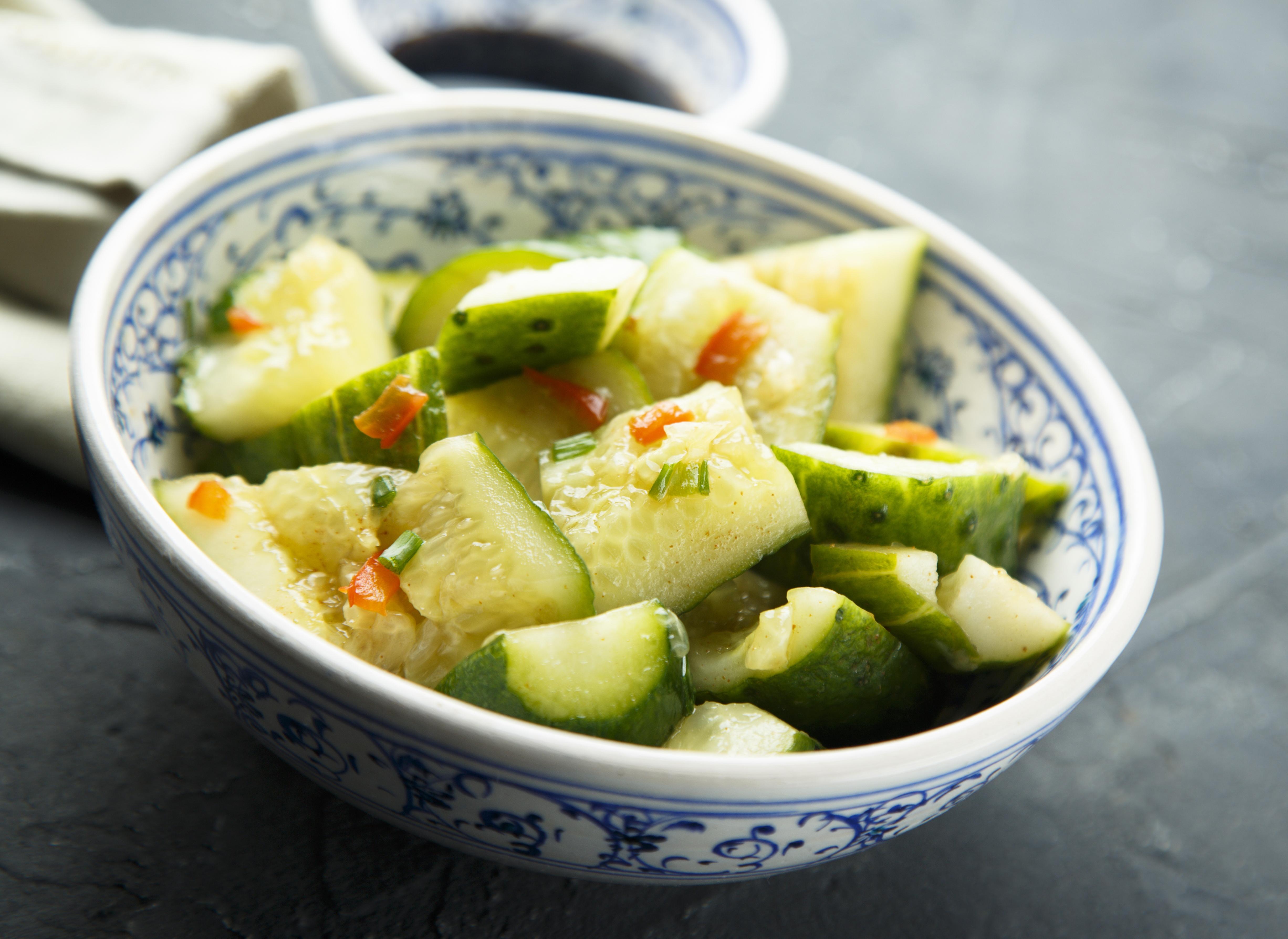 Острый огуречный салат: рецепт китайской кухни