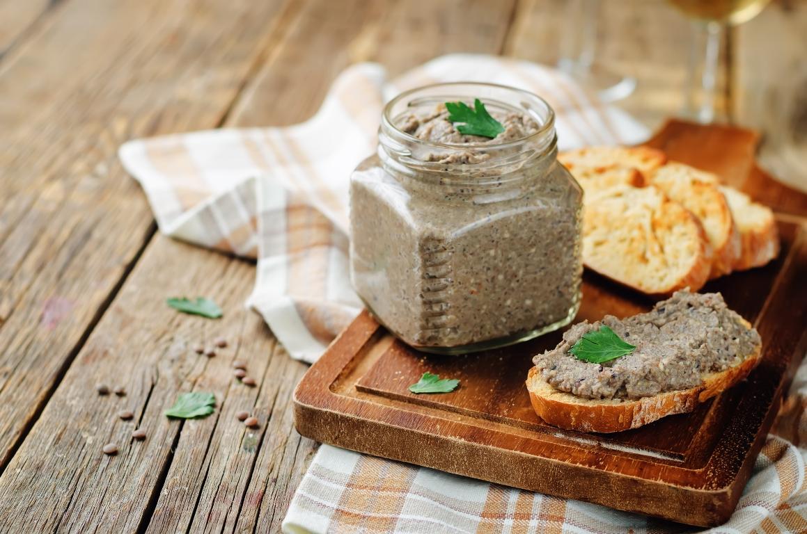 Домашний паштет из шампиньонов с грецкими орехами