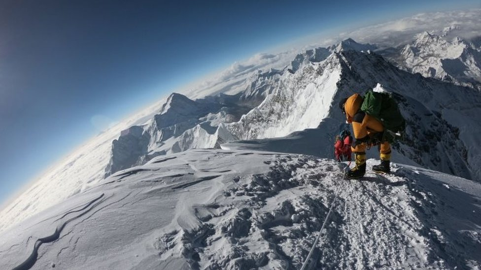 Photo of Everest: British man among latest mountain deaths