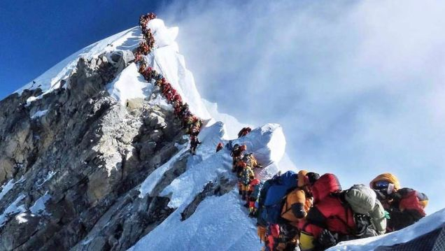 Photo of Colorado Attorney Becomes The 11th Person To Die On Mt. Everest In 10 Days