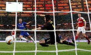 Chelsea win Europa League after Eden Hazard inspires thrashing of Arsenal