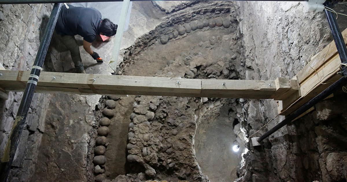 Фото Ритуальное хранилище: в Мехико обнаружили 500-летнюю башню из черепов