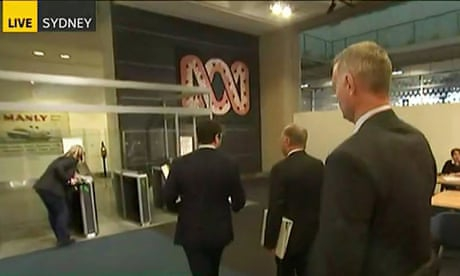 Photo of ABC vows to continue reporting 'without fear' after police raid Sydney offices
