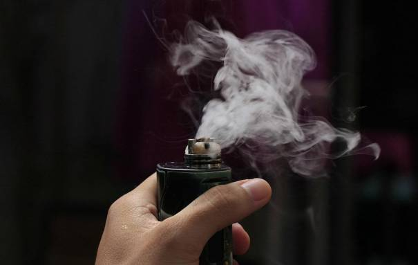 Photo of Vaping firms get nicotine warning as Feds target influencer promos