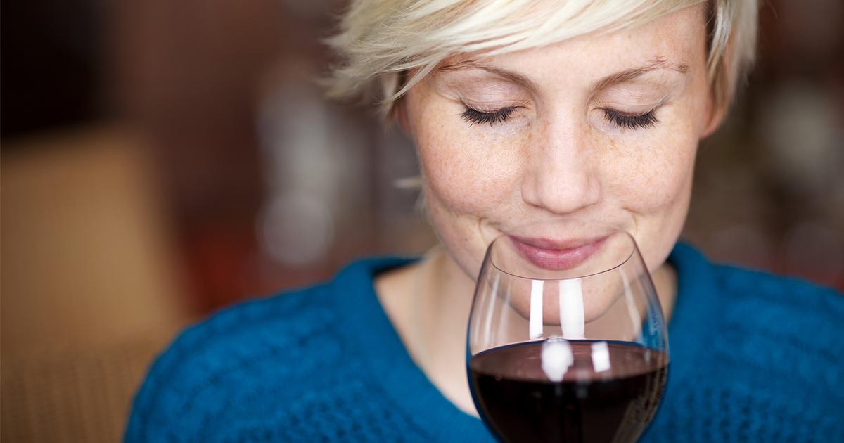 Пей, не болей! Красное вино поможет защититься от гипертонии