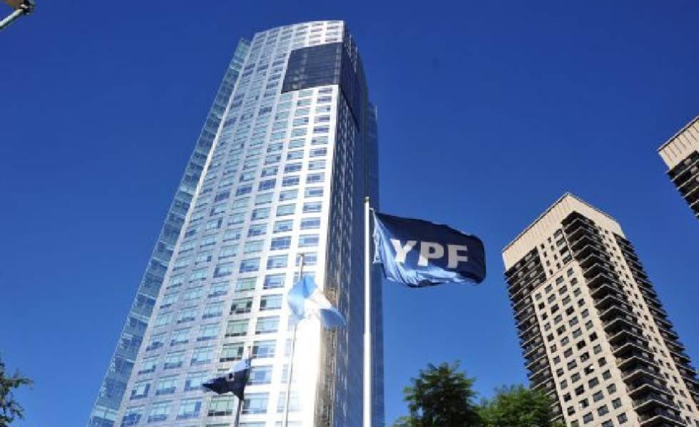 Photo of La Corte de EE UU rechaza un recurso de Argentina por la nacionalización de la petrolera YPF