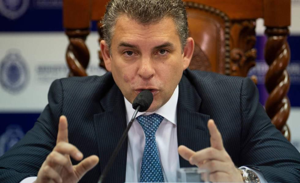 """Photo of """"Uno se vuelve enemigo de gente con mucho poder"""""""