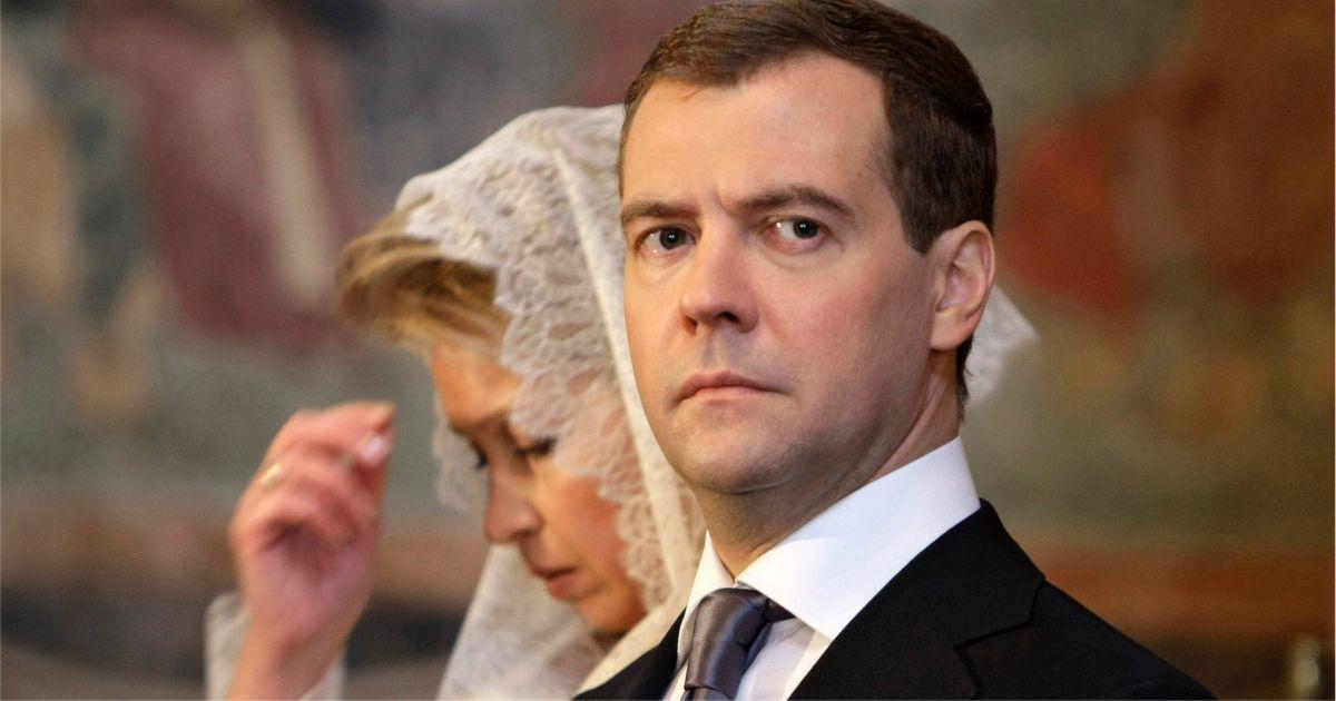 """""""Настоящая фамилия"""" Медведева, рост и семья. 10 вопросов о бывшем президенте и премьере"""