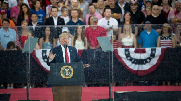 Photo of Donald Trump Flys Off the Handle in July Fourth Speech, Talmbout Airports During Revolutionary War
