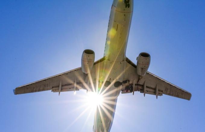 Photo of Delta Flight Makes Emergency Landing Due to Engine Failure