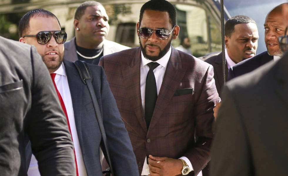 Photo of El cantante R. Kelly, detenido de nuevo por delitos sexuales y pornografía infantil