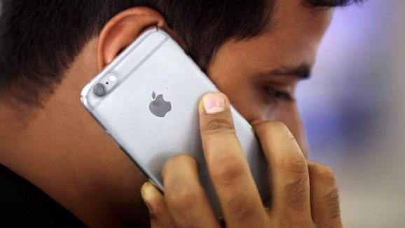 Photo of Apple stops selling budget iPhone 6 and SE in India ahead of fall event