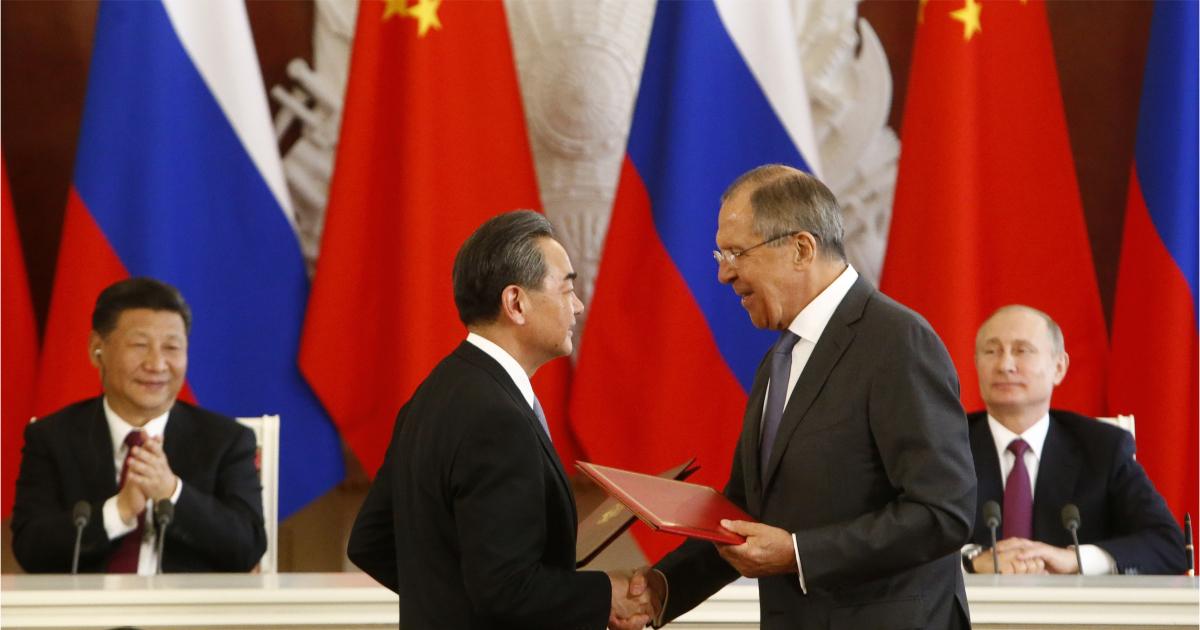 Братья навек? Лавров: бояться засилья китайцев России не нужно, это миф