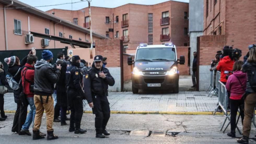 Photo of La Fiscalía pide de 38 a 40 años de cárcel para los tres futbolistas del Arandina acusados de agresión sexual
