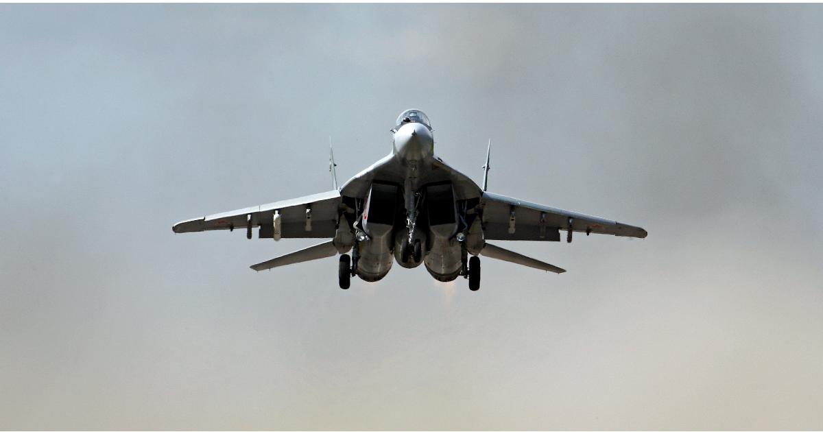 Фото Миг-29 упал в Каспийском море, идут поиски пилота