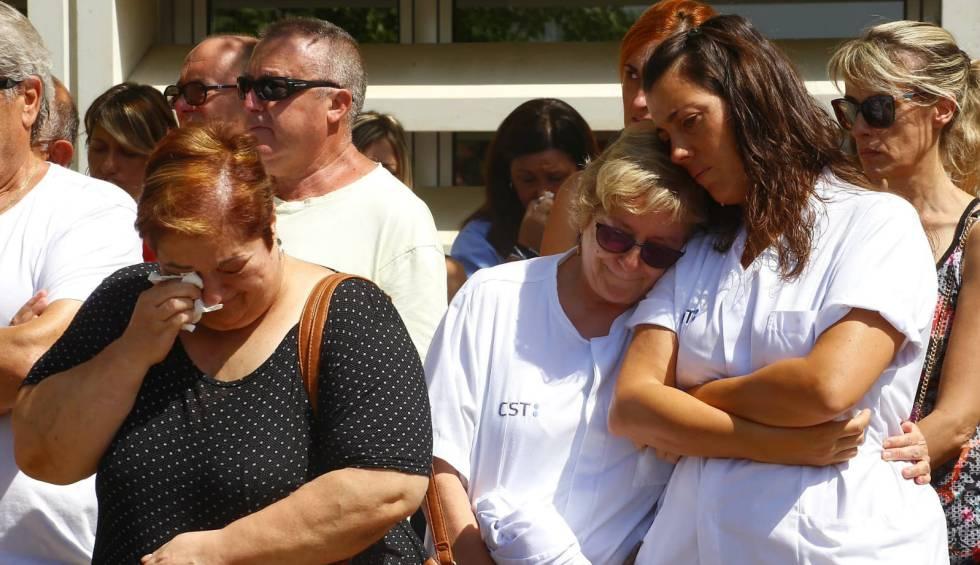 Photo of Minuto de silencio de las compañeras por la doctora asesinada en Terrassa