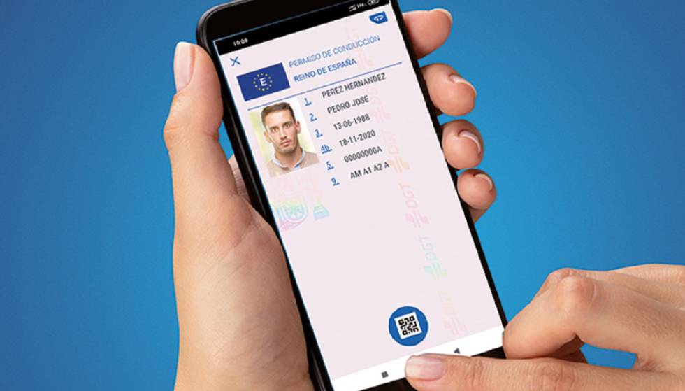 Photo of La DGT trabaja en una 'app' para llevar el carné y los papeles del coche en el móvil