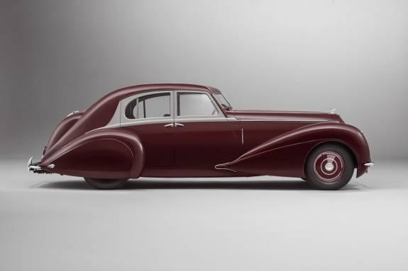 Photo of Mulliner re-creates the 1939 Bentley Corniche