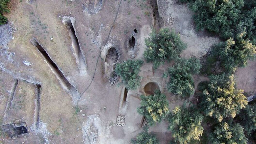 Photo of Grave robbers missed these ancient Greek graves