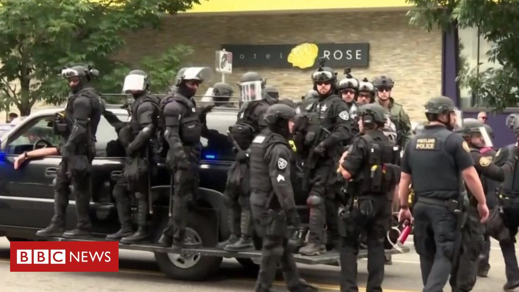 Photo of Portland rally: Far-right and antifa groups face off