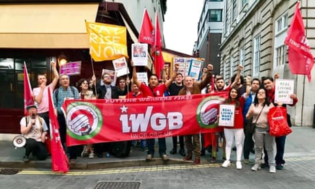 Photo of Union supports workers suspended by millionaire Brexiter over pay protest
