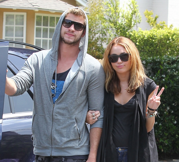 Photo of Miley Cyrus Apparently 'Had To Change As A Person' To Be With Liam Hemsworth