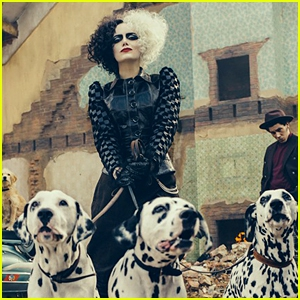 Photo of Emma Stone as Cruella de Vil - First Look Photo from D23!