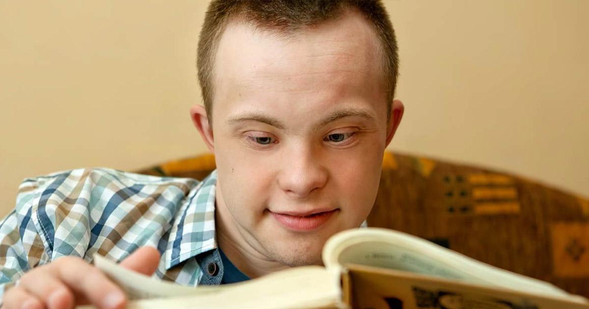 Фото Талантлив вопреки болезни. Выпускник вуза с синдромом Дауна