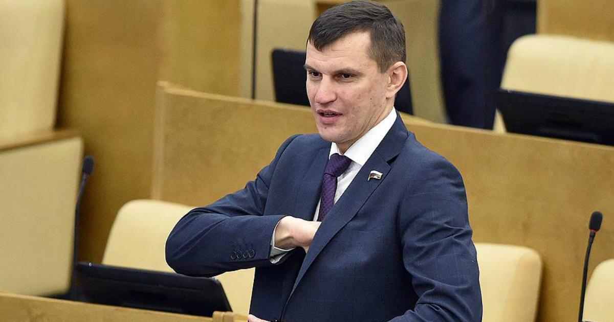 Депутат обвинил в саботаже хирургов, уволившихся из-за зарплат