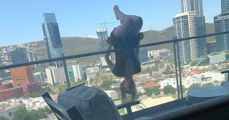 Девушка занималась йогой на балконе и выпала с шестого этажа