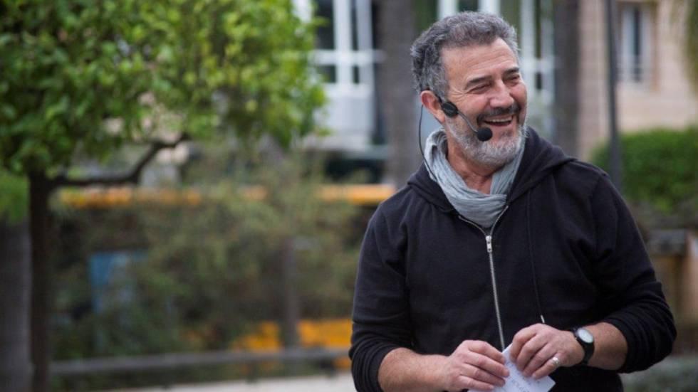 Photo of Fallece el 'contacontes' Llorenç Giménez, el mago de las palabras y la sonrisa