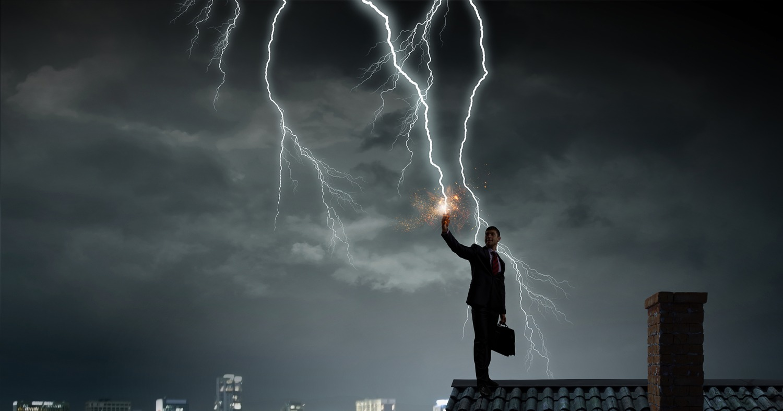 Последствия удара молнии и как их избежать