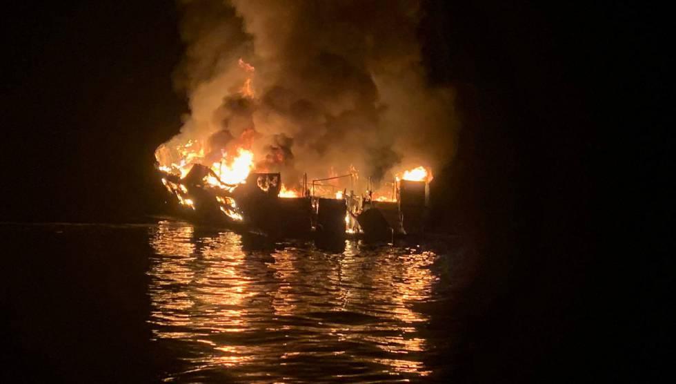 """Photo of Las últimas horas del 'Conception': """"Hay 33 personas en un barco ardiendo y no pueden salir"""""""