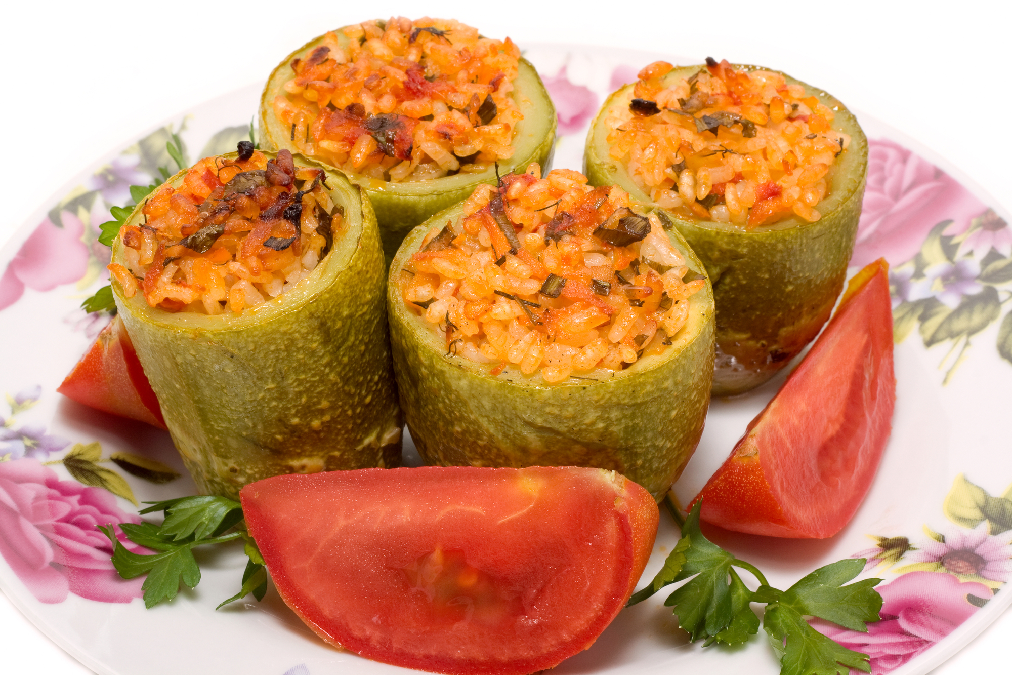 Кабачки фаршированные мясом и рисом с овощами