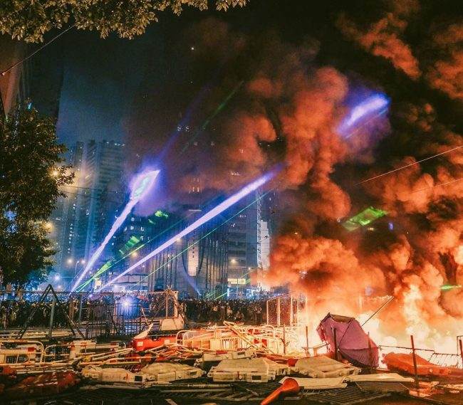 "Photo of ""Hong Kong On Fire"": Local Photographer Captured Stunning Images Of The Days In Fight For Civil Rights"