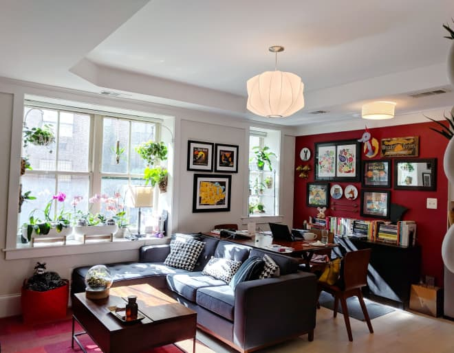 Photo of A Small Shared Condo Features Smart Storage Solutions and Over 50 Different Houseplants