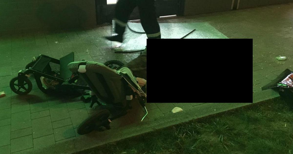 В Москве мужчина с 10 этажа упал на коляску с младенцем. Девочка жива
