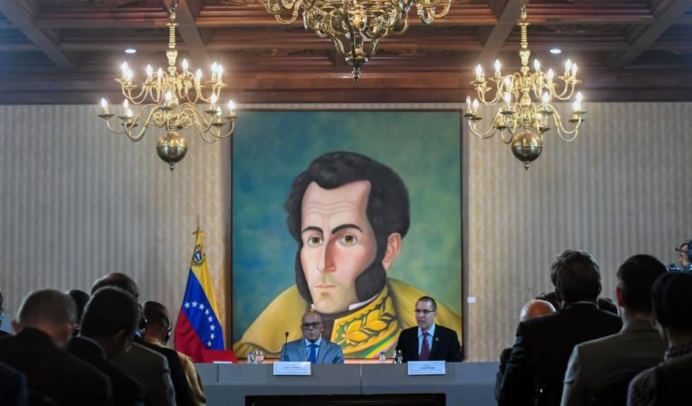 Photo of El chavismo pacta con un sector de la oposición mientras Guaidó da por roto el intento de diálogo