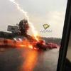 Молния попала в движущийся автомобиль в Новосибирске