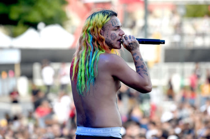 Photo of 6ix9ine's Driver Reportedly Testifies He's an Informant