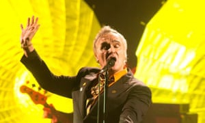 Morrissey ejects anti-far-right protester from Portland concert