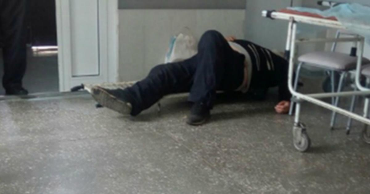 Врачи из Магнитогорска привезли пациента на скорой и бросили на полу