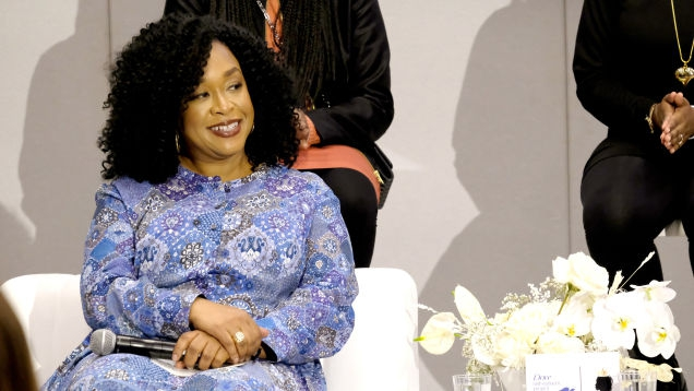 Photo of 'Vanessa Huxtable's Hair Was Not Always Perfectly Pressed': Shonda Rhimes Talks Natural Hair Representation on Television