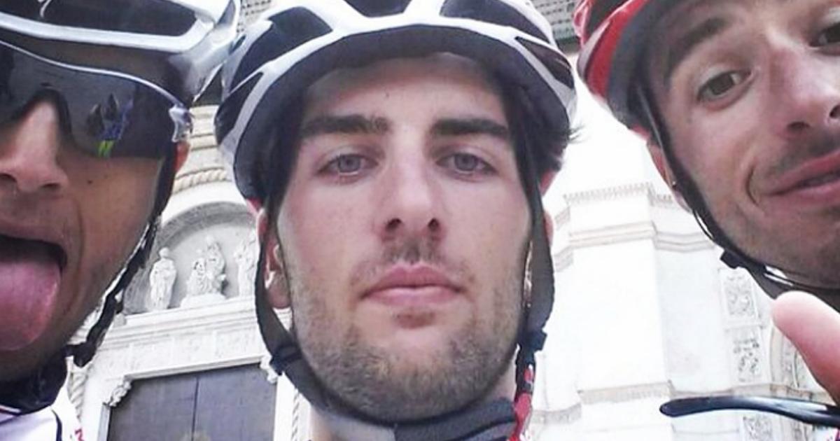 22-летний велогонщик ушел из жизни в 100 метрах от финиша во время гонки в Италии