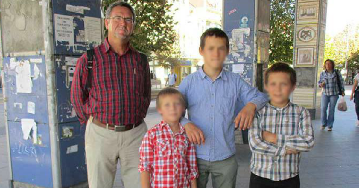 Фото У отца хотят хотят отобрать троих детей из-за отсутствия дома телевизора