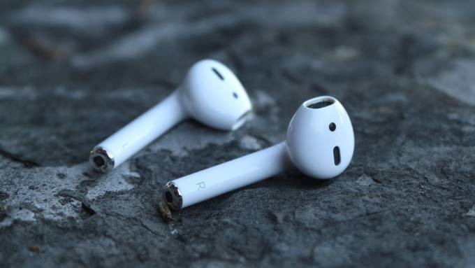 """Photo of Every brand has """"true wireless"""" earbuds now: what are the important differences?"""